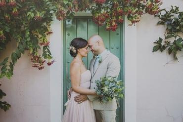Outdoor pink open wedding dresses
