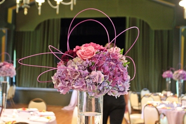 Overseas pink wedding floral decor