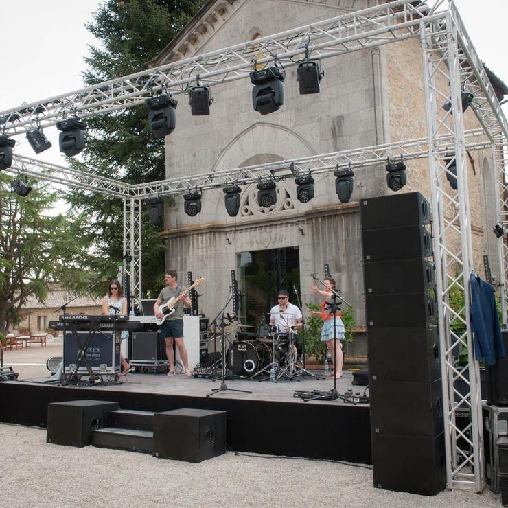 Wedding Party at Borgo San Felice, Castelnuovo Berardenga, Siena