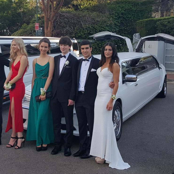 Wedding limousine hire sydney