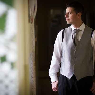 Overseas grey groom style