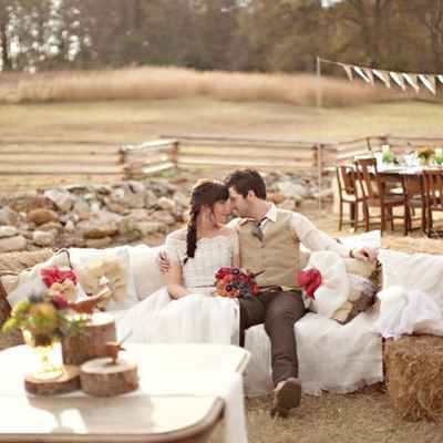 Rustic summer photo session decor