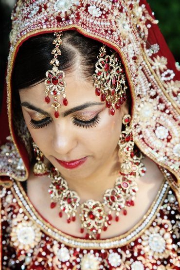 Themed red bridal hair and make-up