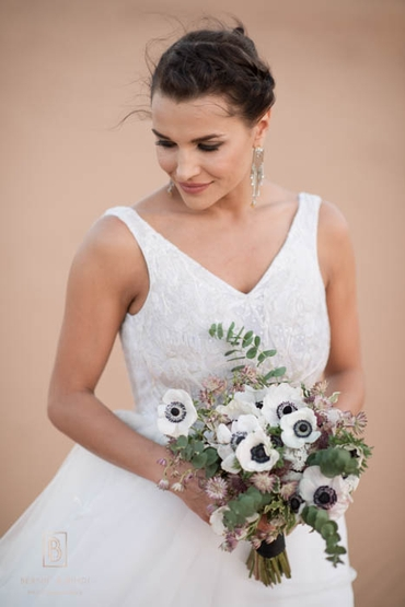 White anemone wedding bouquet