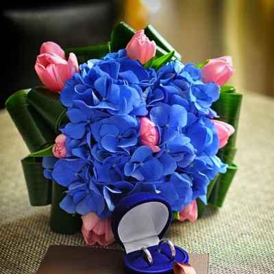 Brown hydrangea wedding bouquet