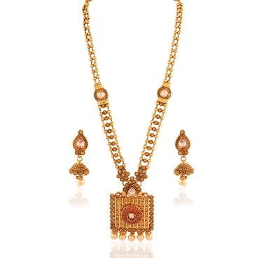 Gold bracelets, earrings, necklaces & other jewellery