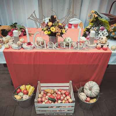 Autumn red wedding reception decor