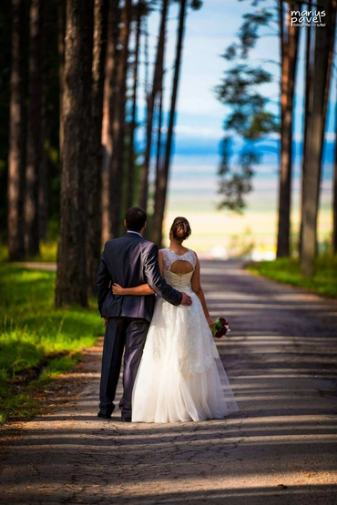 Outdoor summer real weddings
