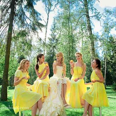 Summer yellow bridesmaids