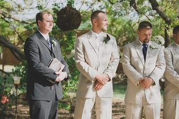 Rustic wedding photo session ideas