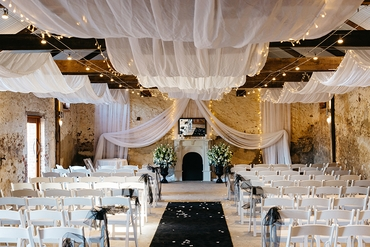 Overseas wedding ceremony decor