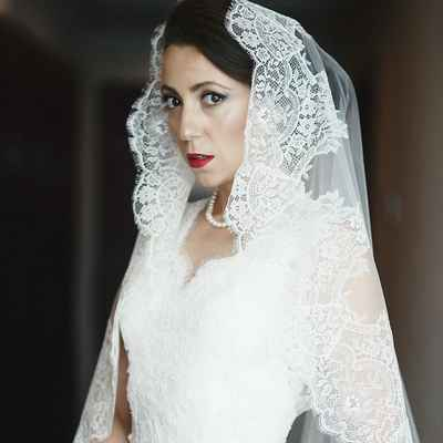 White overseas wedding headpieces, veils, cover-ups & brooches