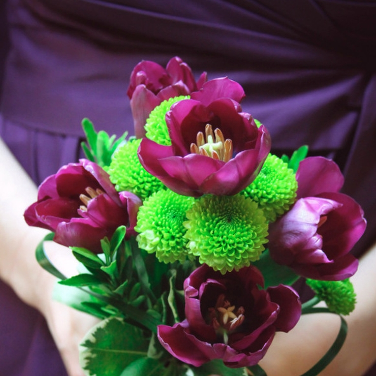 Purple tulips and white rose wedding