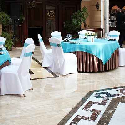 Breakfast at tiffany's brown wedding reception decor