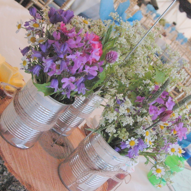 Spring wildflower wedding with matching confetti