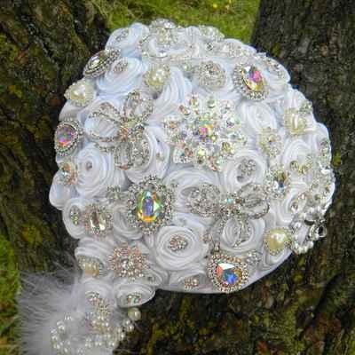 Ivory alternative wedding bouquet
