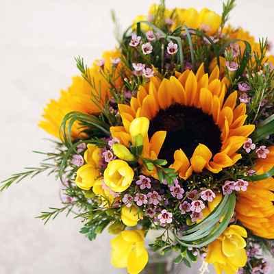 Summer purple friezes wedding bouquet