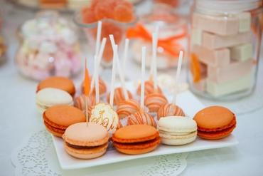 Orange wedding cupcakes
