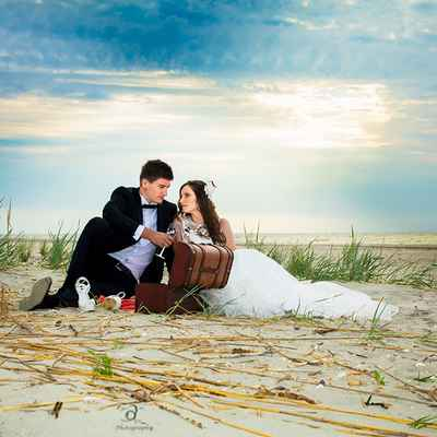 Beach summer photo session decor