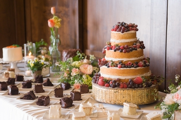 Fruit wedding cakes