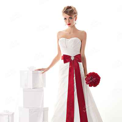 Red bridal style