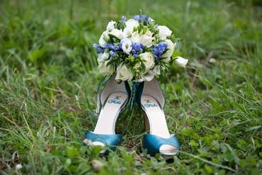 Blue friezes wedding bouquet