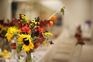 Overseas yellow wedding floral decor