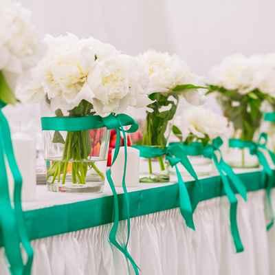 Breakfast at tiffany's green wedding reception decor