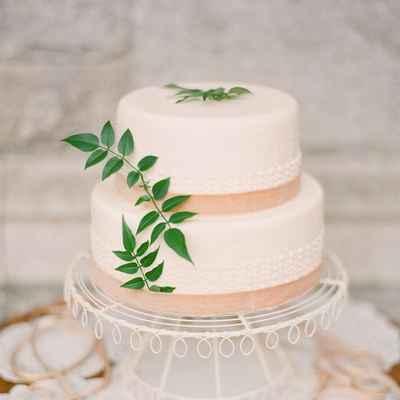 Mediterranean ivory wedding cakes