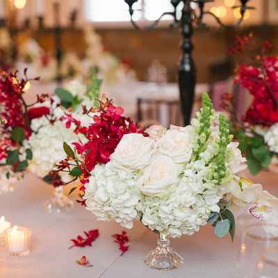 White overseas wedding floral decor