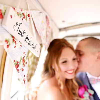 Overseas white wedding signs