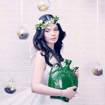 Green photo session decor
