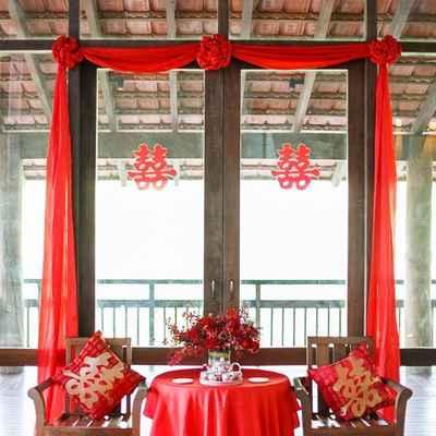 Overseas red wedding reception decor
