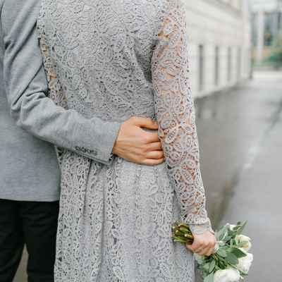 Outdoor grey wedding photo session ideas