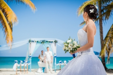 Overseas real weddings