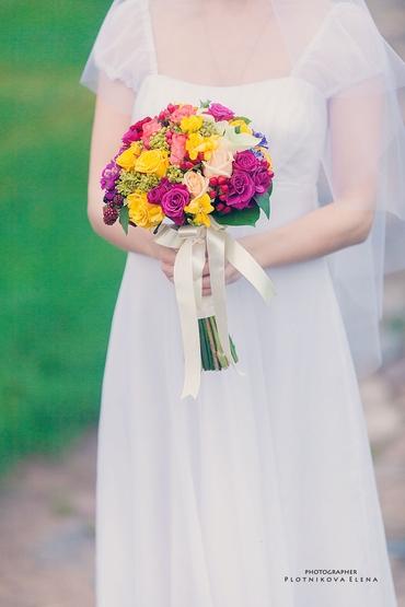 Pink friezes wedding bouquet