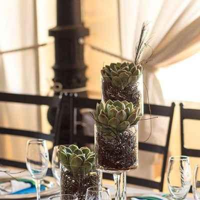 Overseas brown wedding reception decor