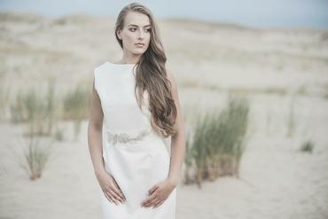 Beach bridal hair and make-up