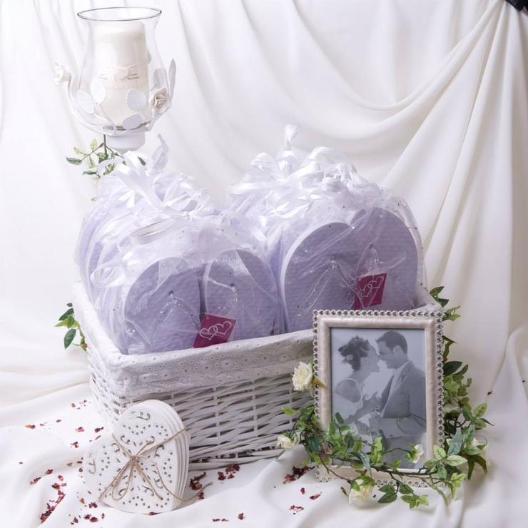 Wedding flip flop baskets