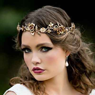 Outdoor gold bridal hair and make-up