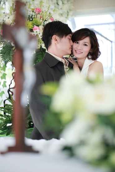 Vintage white bridal hair and make-up