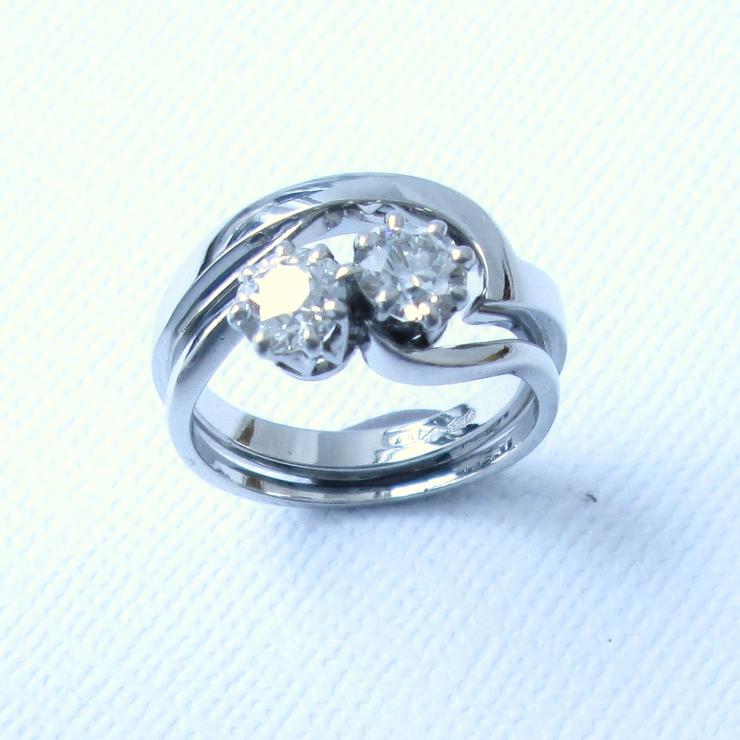 Platinum Contour Wedding Rings