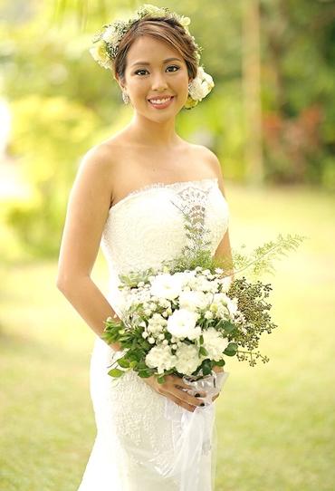 Rustic white carnation wedding bouquet