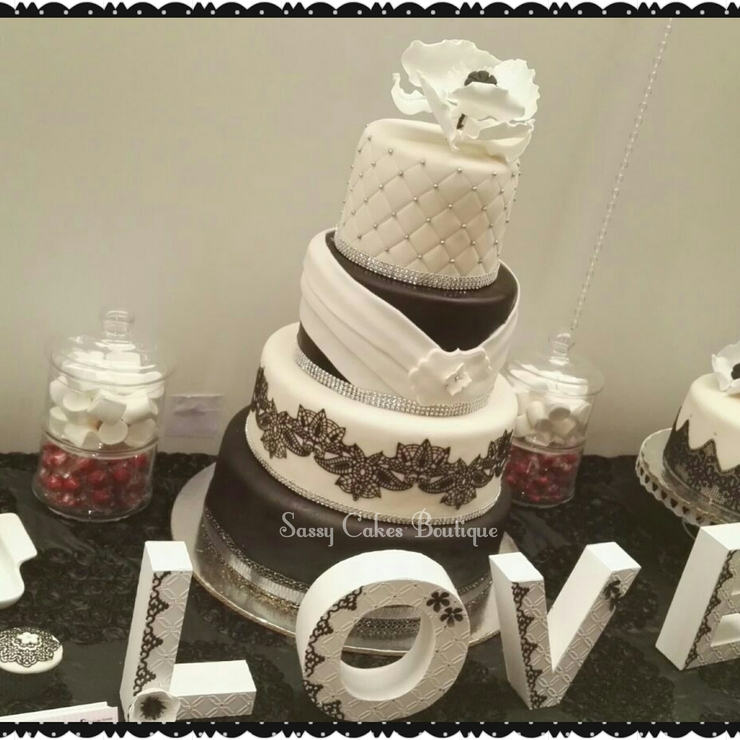 Black & White weeding
