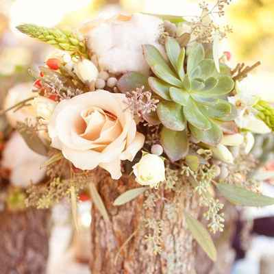 Rustic ivory wedding floral decor