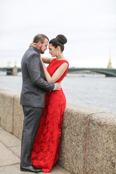 Red real weddings
