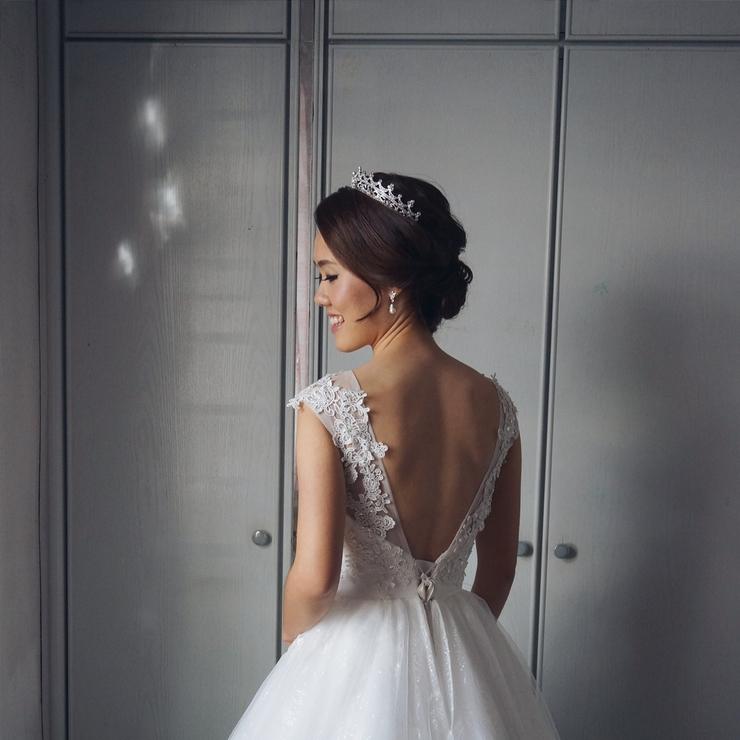 Bride, Agnes Chan