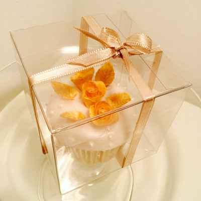 White wedding cupcakes