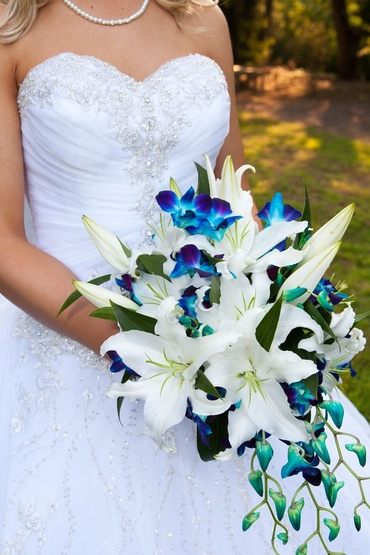 White lilac wedding bouquet