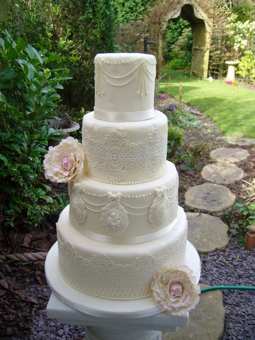 Ivory wedding cakes